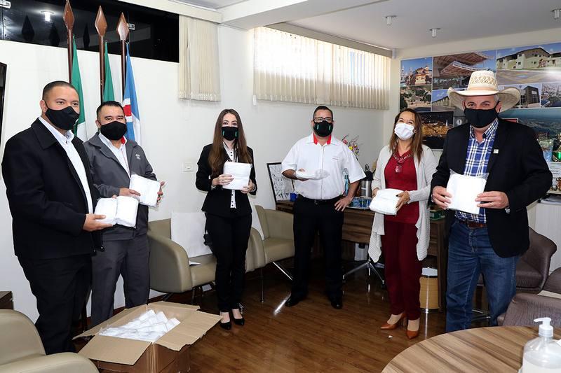 TRÊS LAGOAS-MS| Prefeitura recebe doação de 1.600 máscaras descartáveis das concessionárias Toyota e Hyundai do Município
