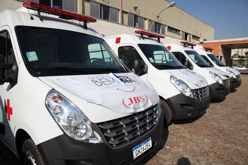 SOLIDARIEDADE| JBS entrega primeira ambulâncias a cidades do centro-oeste, norte e sudeste