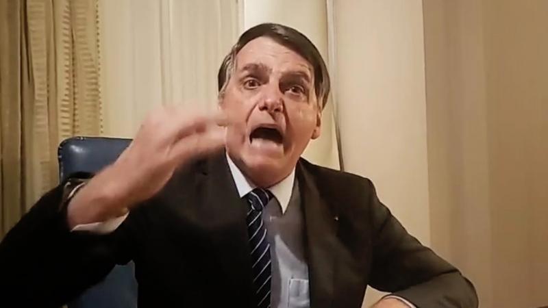 URGENTE! Bolsonaro CHORA REVOLTADO e DETONA a GLOBO e Witzel por envolvê-lo no caso Marielle